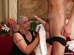 горячая жена cuckolding с незнакомцем на скрытую камеру