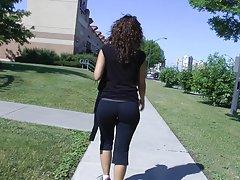 откровенные жопа подросток в йога штаны