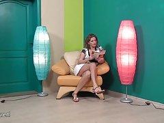 Горячая камера девушка ноги