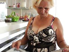 Британские бабушки Дианы и перлы нужно сойти