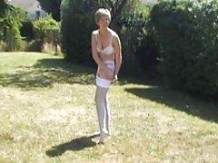 Великобритании Сара, прогуляться в саду