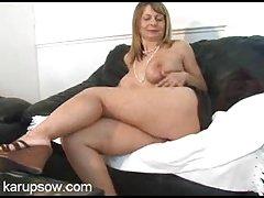 Бабушка Межрассовый секс хардкор ебля в постели