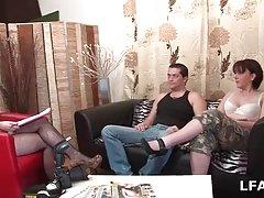 Бедный болельщик преобладают 2 лесбиянки госпожа