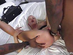 Она к ней присоединился мужчина ебать