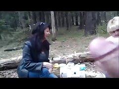 Голландский мамаша мигать и втроем с муженек и вуайерист