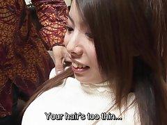 Для йоги девушки с волосатыми подмышками