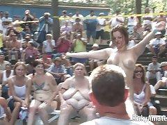 Подросток болельщица Джада Стивенс в одетая женщина голый мужчина
