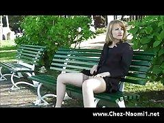 Подглядывание под юбки милашка трусики дразнить