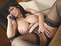 BBW Бабушка с большими сиськами в жесткий анальный секс