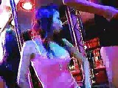 Блонди итальянская порнозвезда сначала редкие порно сцены