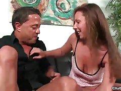 Развлечения лесбиянок анальный фаллоимитатор на веб-камеру