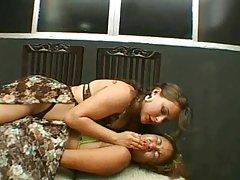 Ива укладывала голодная мама мазила