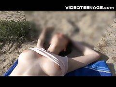 Оргазм в общественном бассейне! -видео