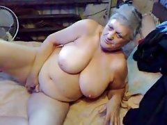 Блондинка в жару трахнули в задницу